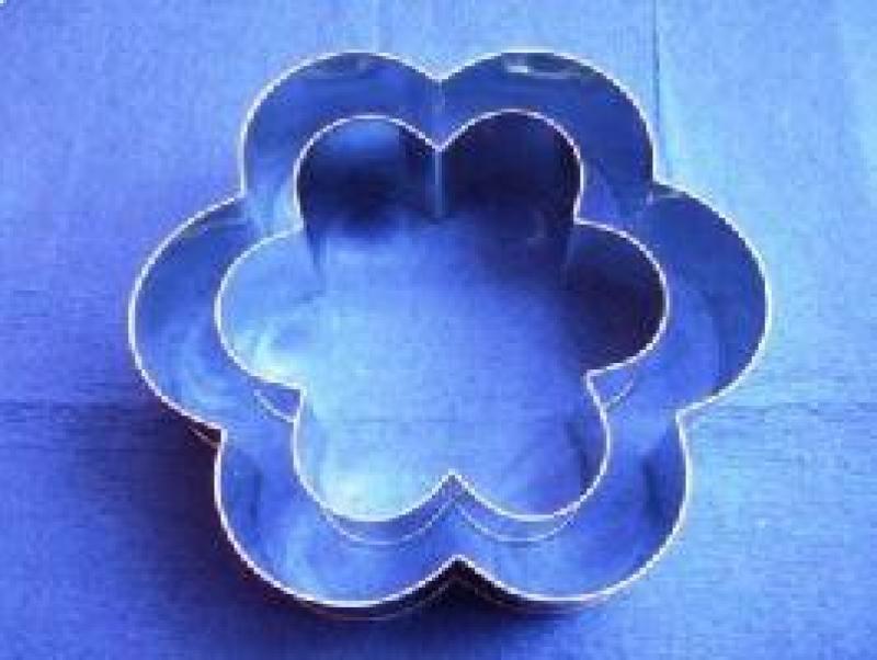 Forma ráfik kvetina stredná